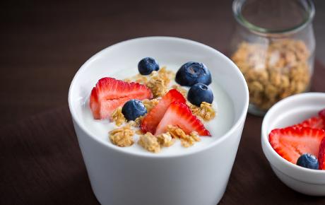 Blueberry Granola Yogurt Cup